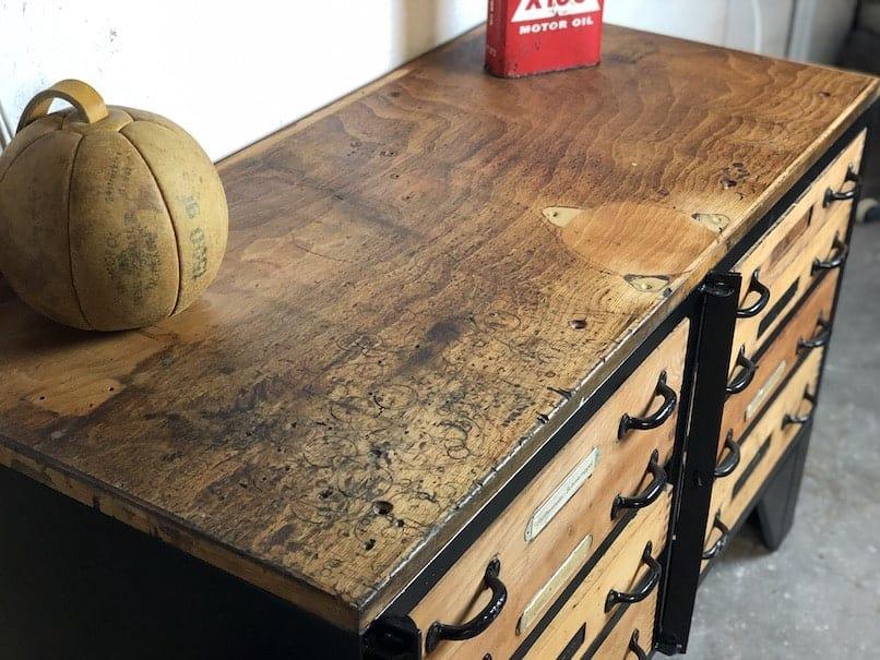Restaurierter Schubladenschrank aus den 60er Jahren.
