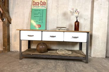 Vintage Industrial Küchenblock