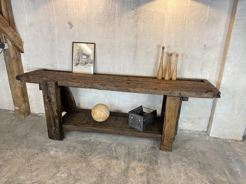 Antike Werkbank